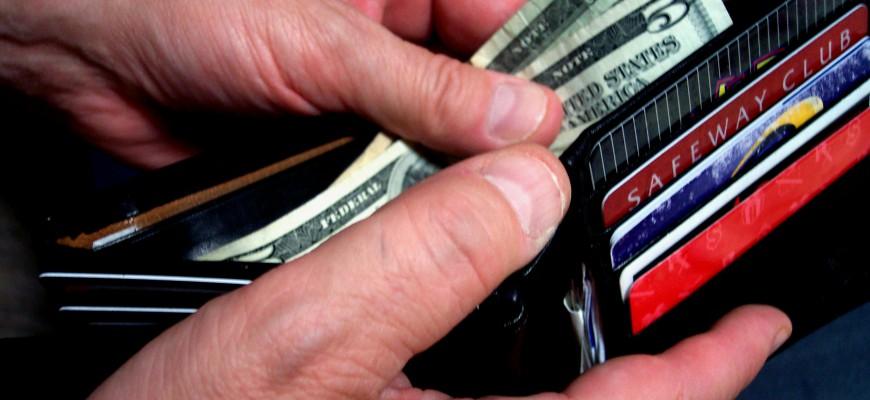 cash-credit-car